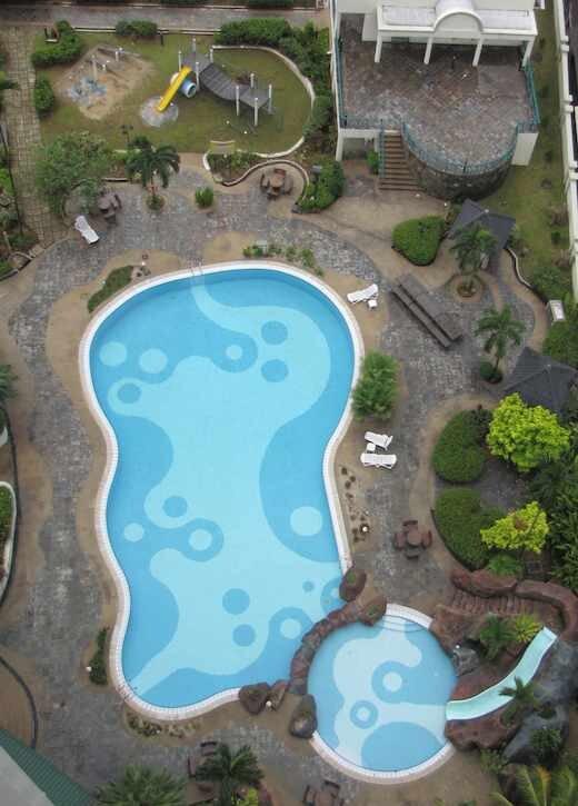 Wadihana Condo pool